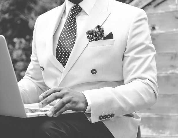 man in wit pak